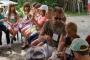 Ferienprogramm 2014 Kinder beim Seemannsknoten üben